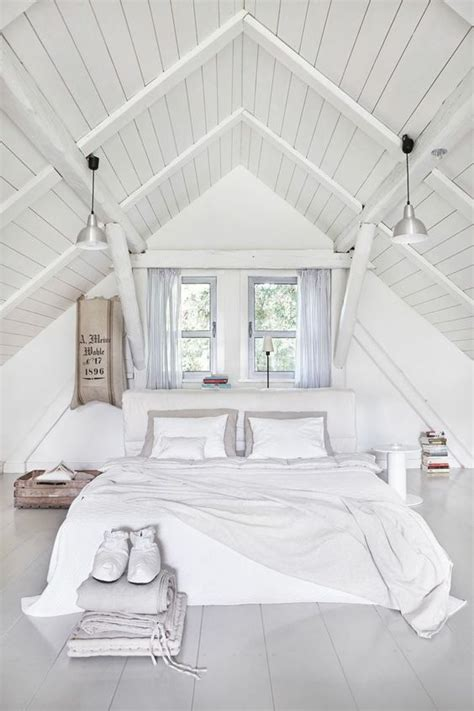 slanted ceiling bedroom best 25 slanted ceiling bedroom ideas on pinterest