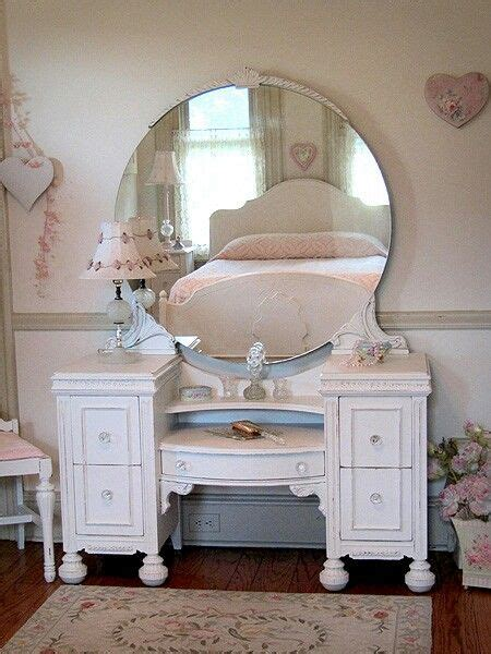 turning a dresser into a makeup vanity please love
