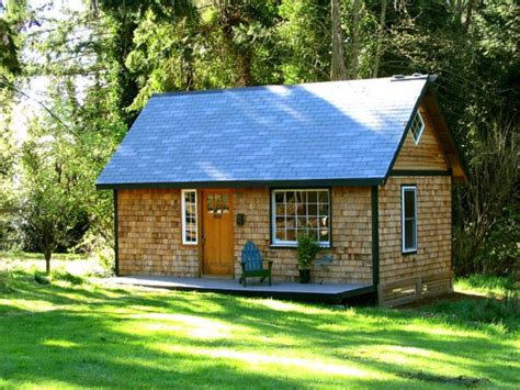 Small House In Backyard by Small Back Yard Cottage Plans Small Lake House Cottage
