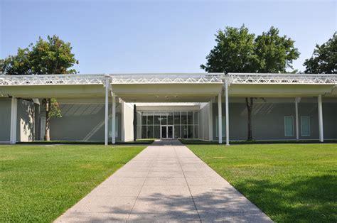 AD Classics: Menil Collection / Renzo Piano   ArchDaily