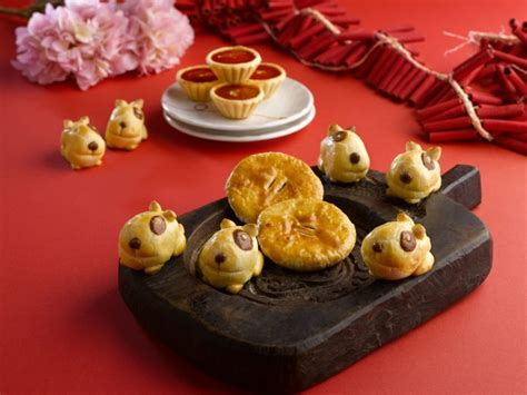 fullerton hotel new year goodies 5 places to get your new year goodies mummyfique