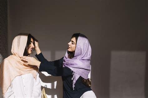 penjelasan gus baha tentang jilbab  hukumnya