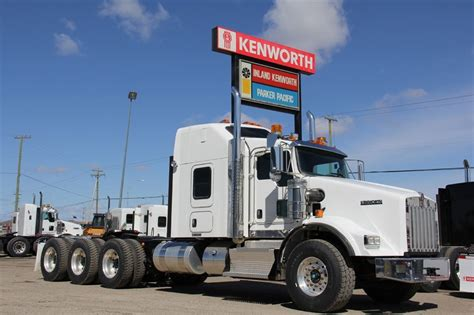 kenworth tractor trailers for sale 2013 kenworth t800 tridrive 62 aerodyne tractor for