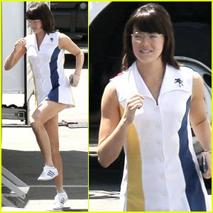 emma stone billie jean king emma stone gets into character as billie jean king on