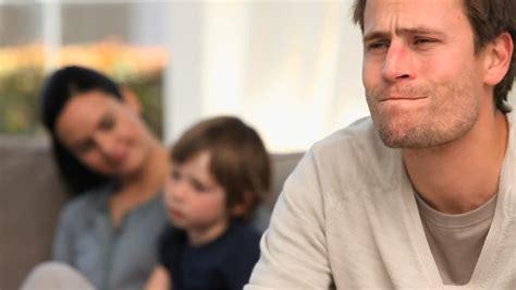 imagenes de tristeza familia familia recesi 243 n tristeza hd stock video 973 744 553