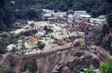 imagenes de desastres naturales en guatemala tragedia en guatemala 62 fallecidos y 350 desaparecidos