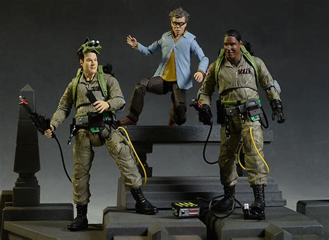 ghostbusters figures review and photos of select ghostbusters winston
