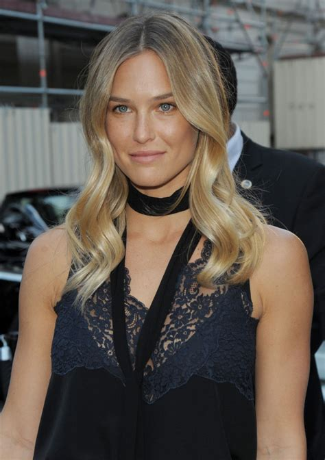 bar refaeli bar refaeli vogue at fashion week july 2015