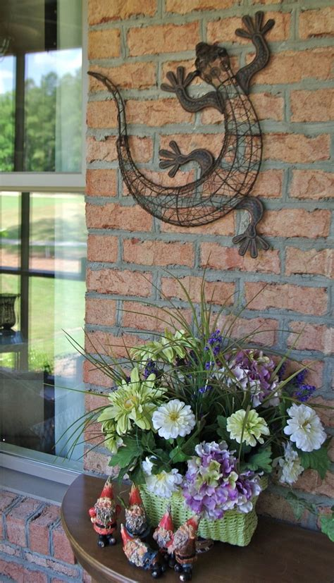Garden Wall Decoration Ideas 17 Best Images About Small Patio On Gardens