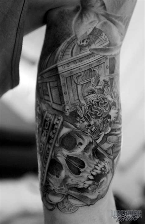treasure tattoo designs skulls and treasure tattoos