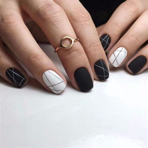Black White Nail black and white nails with lines easy nail designs