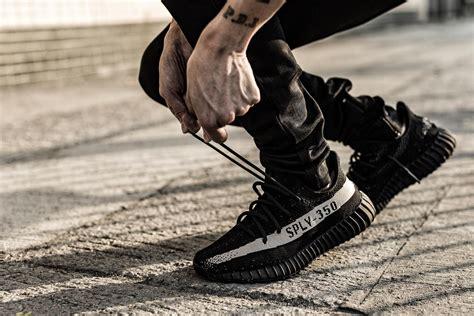 Adidas Yezzy White Black adidas yeezy boost white and black los granados apartment