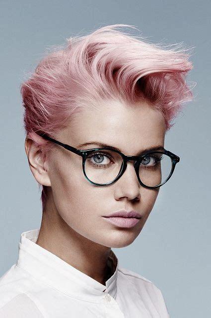 die besten  kurzhaarfrisuren  mit brille ideen auf