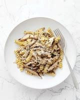 Fall Favorite Fettuccini Alfredo Como Living Magazine Fall Pasta Recipes Martha Stewart