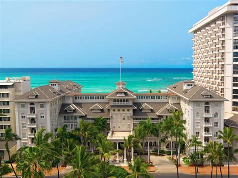 Moana Surfrider, A Westin Resort & Spa (Honolulu, USA)   Expedia