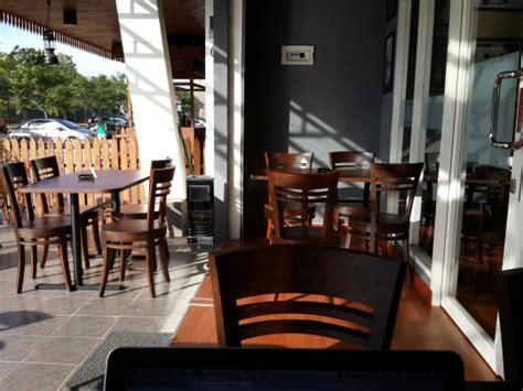 Kursi Buat Cafe jasa buat meja kursi kayu untuk cafe dan restoran senam