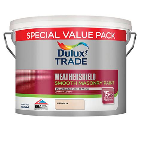 dulux trade weathershield smooth magnolia 7 5l wickes co uk