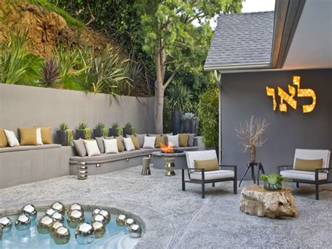 Awesome retro style terrace design small pool gray concrete fence