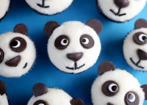 Too stinkin cute mini panda cupcakes