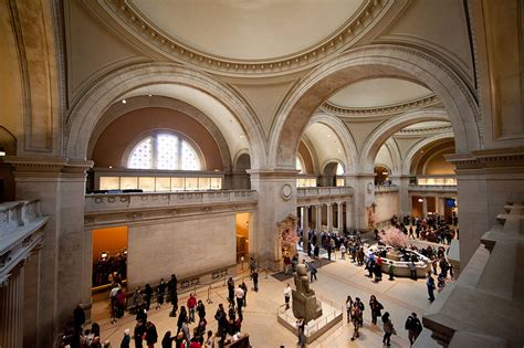 the metropolitan museum of file met the great hall metropolitan museum of art new york ny usa 2012 jpg wikimedia