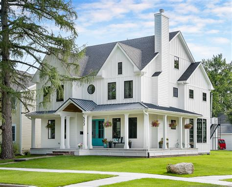 farmhouse with wrap around porch white farmhouse with wrap around porch home bunch