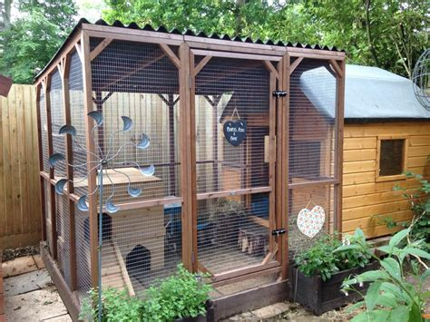 Rabbit Houses by Ideas The Big Rabbit Hutch