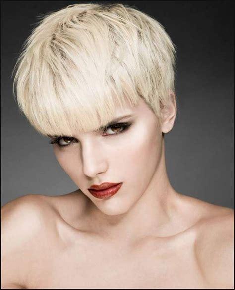 blonde kurze haare   einfache frisuren