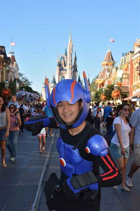 Disney Fan Turns Himself into Big Hero 6?s Hiro Hamada with 3D Printed Costume   3DPrint.com