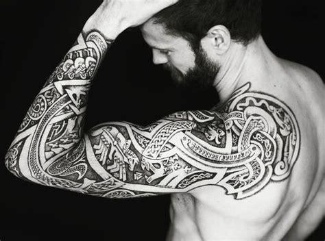 id 233 es tattoo mythologie nordique beachbrother magazine