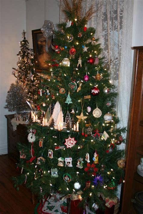 christmas tree shelf
