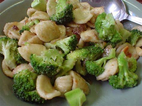 cucinare orecchiette cucinare d estate orecchiette con i broccoli una ricetta