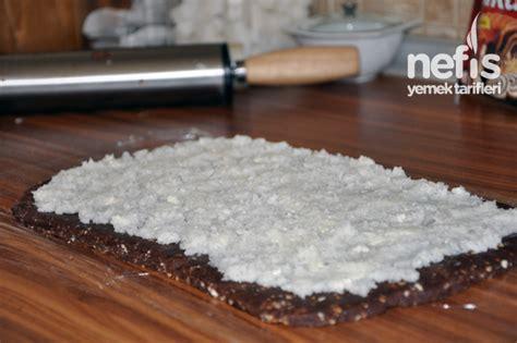 frambuazlı hindistan cevizli rulo pasta hindistan cevizli rulo pasta tarifi nefis yemek tarifleri