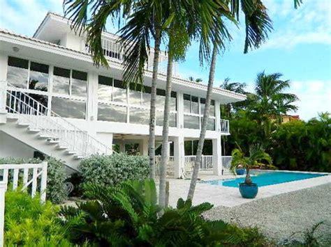 marathon house rentals marathon florida keys luxury vacation rental pool home