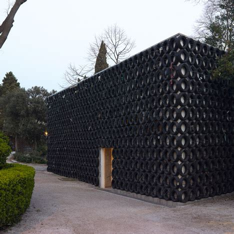 tsibi geva hides israel's venice biennale pavilion behind