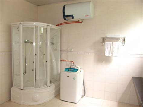 chinese family in our bathroom accommodation teach english in china i graduate jobs