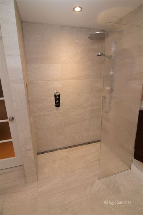 bathroom tile showers curbless shower designs c 233 ramiques hugo sanchez inc