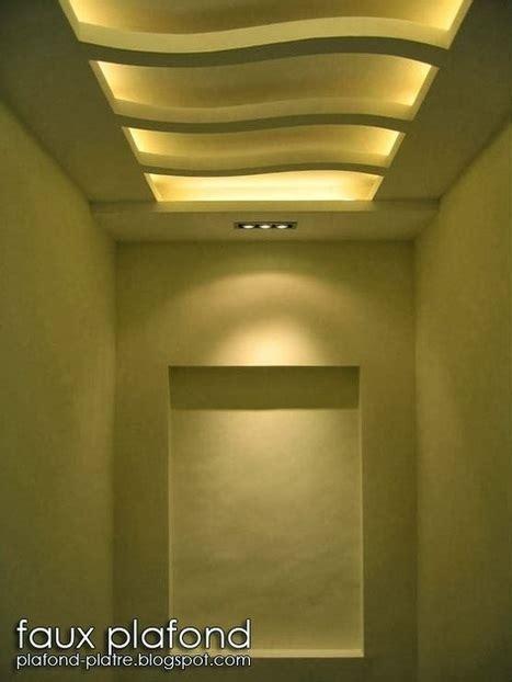 Decoration Plafond Platre by Plafond Salle Bain In Faux Plafond En Forme D Un
