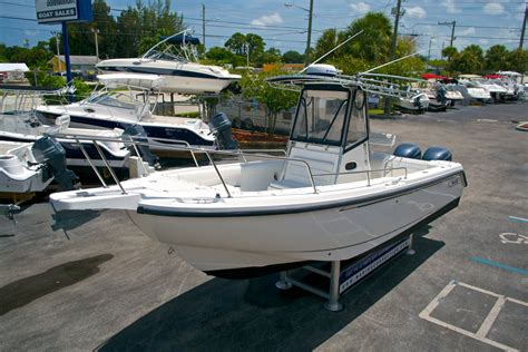 boston whaler center console used 2001 boston whaler outrage 26 center console boat for