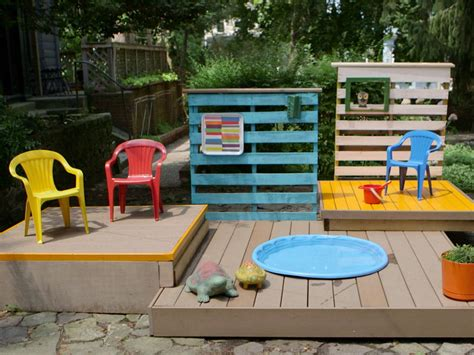 Backyard Kid Pools by Build A Multilevel Deck For A Kiddie Pool How Tos Diy