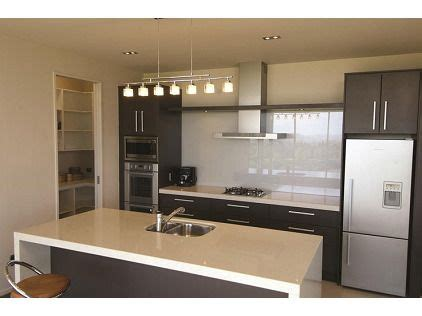 kitchen designer auckland kitchen renovations design nz meridian 1000 images about metallic glazen achterwand rvs look