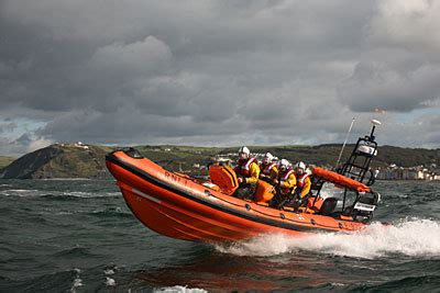 inflatable dinghy lifeboat welsh icons news aberystwyth rnli lifeboat assists