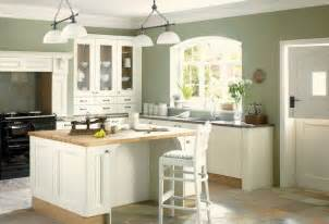 Good Colors To Paint Kitchen Cabinets by Best 25 Green Kitchen Walls Ideas On Pinterest