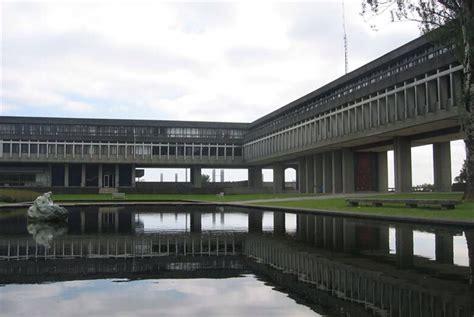 academic quadrangle  simon fraser university designed