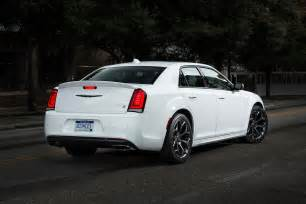 Chrysler 300x 2017 Chrysler 300 Reviews And Rating Motor Trend