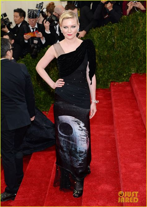 Worst Dressed Of The Day Kirsten Dunst Oscars Edition by Sized Photo Of Kirsten Dunst Met 2014 Carpet