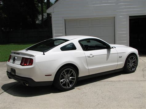 2011 mustang white 2011 white mustang paint ford mustang forum
