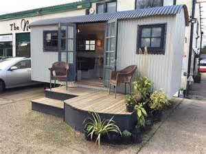 1000 Vanity Unit Ex Demo Shepherd Hut For Sale Garden Hideouts