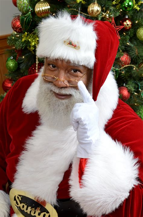 images of santa black santa claus larry jefferson is a hit at the mall of