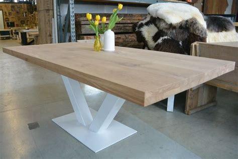 ikea tafelblad massief eiken tafel met witte stalen v poot tafelblad massief