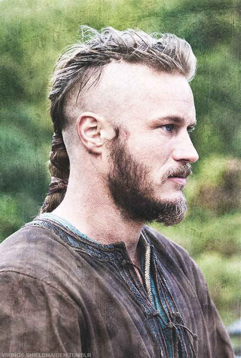 what hairstyle ragnar lothbrok pin by lisa on ragnar pinterest vikings ragnar and tvs